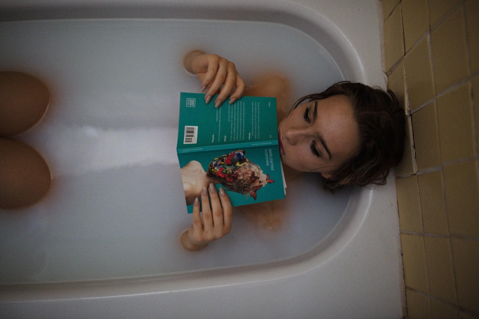 plaisirs dans la baignoire